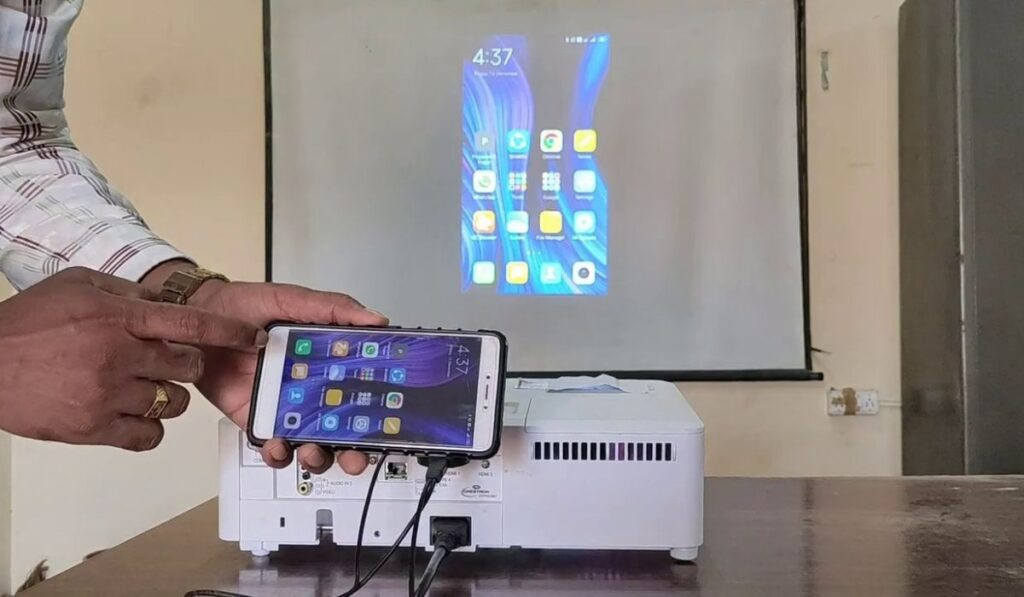 How To Connect Android Phone To Projector Via USB